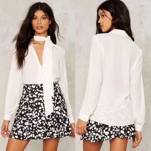 Goldie London Buttoned White Pussy-Bow Blouse